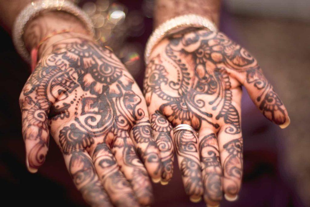 N'utilisez pas de tatouages au hénné noir au ppd, le para-phénylènediamine