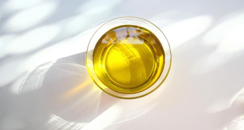 Une huile végétale est majoritairement composée d'acides gras. Lesquels ?
