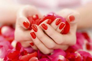 Eviter les phtalates dans les plastiques et les vernis à ongles, pertubateurs endocriniens